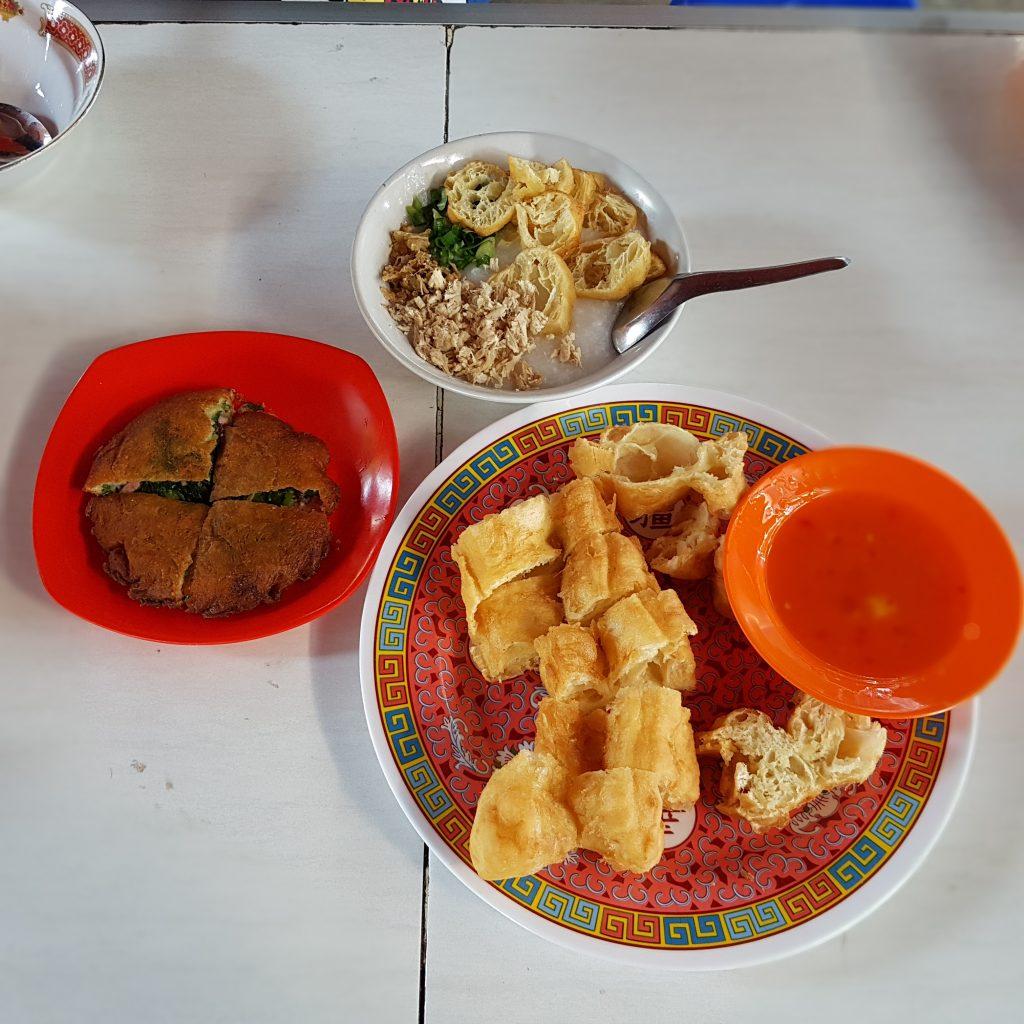 Lie Tjay Tat Cakwe Porridge
